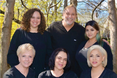 Picture of Todd Jolly, D.M.D. with staff at Todd L. Jolly, DMD