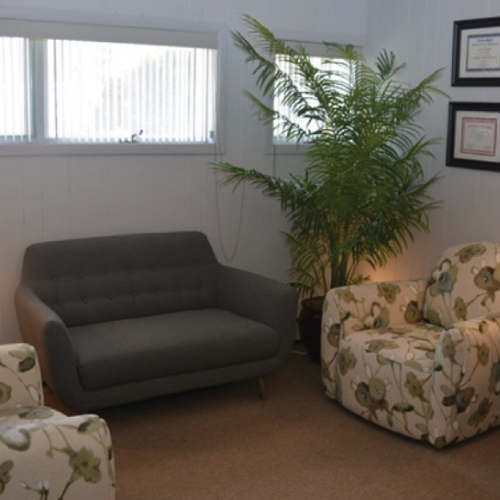 picture of waiting room at Todd L. Jolly, DMD, Nutley, NJ